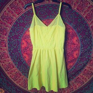 Jessica Simpson Yellow dress